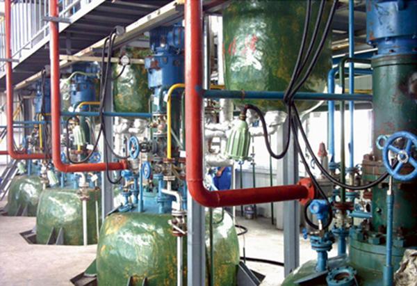 自吸加氢反应釜(8台生产现场)